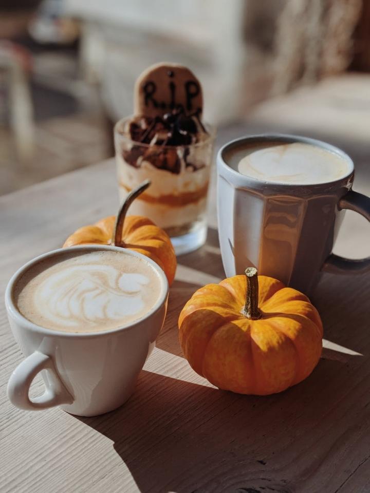 Venti Chai Tea Latte,please.